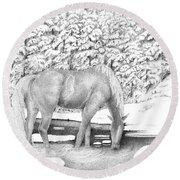 Horse In Snow Round Beach Towel