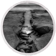 Horseshoes Beach  Black And White Round Beach Towel