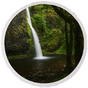 Horsetail Falls Columbia River Gorge Round Beach Towel