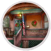 House - Porch - Metuchen Nj - That Yule Tide Spirit Round Beach Towel by Mike Savad