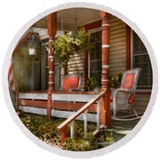 House - Porch - Traditional American Round Beach Towel