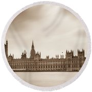 Houses Of Parliament And Elizabeth Tower In London Round Beach Towel