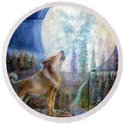 Wolf Howling And Full Moon Round Beach Towel