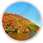 Hudson River Fall Foliage Round Beach Towel