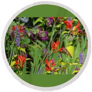 Hummingbird And Crocosmia Lucifer Round Beach Towel