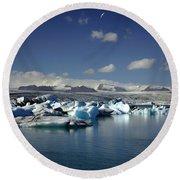Hundreds Of Icebergs Round Beach Towel