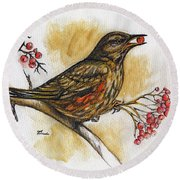 Hungry Thrush Round Beach Towel