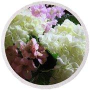 Hydrangeas Bouquet Round Beach Towel