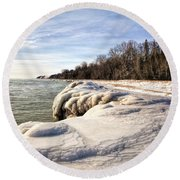 Ice Covered Shores Of Lake Michigan Round Beach Towel