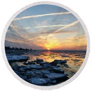 Ice On The Delaware River Round Beach Towel