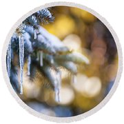 Icicles On Fir Tree In Winter Round Beach Towel