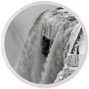 Icy Plunge At Niagara Falls Round Beach Towel