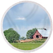 Idaho Falls Barn Round Beach Towel
