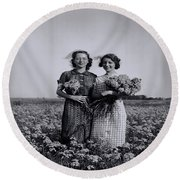 In A Field Of Flowers Vintage Photo Round Beach Towel