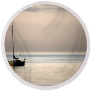 In Among Wings Round Beach Towel