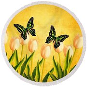 In The Butterfly Garden Round Beach Towel
