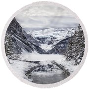 In The Heart Of The Winter Round Beach Towel