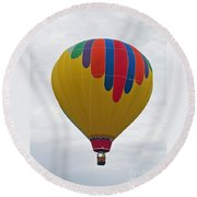 In The Middle Balloon Round Beach Towel