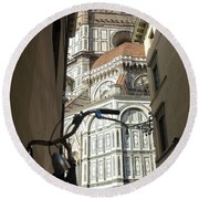 In The Shadow Of Il Duomo Round Beach Towel