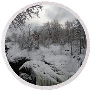 Indian Leap In Winter Round Beach Towel