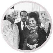 Indira Gandhi At Jfk Airport Round Beach Towel