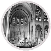 Inside The Cathedral Basilica Of The Immaculate Conception 1 Bw Round Beach Towel