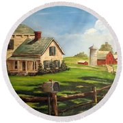 Cherokee Iowa Farm House Round Beach Towel