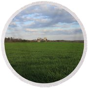 Great Friends Iron Horse Wheat Field And Silos Round Beach Towel