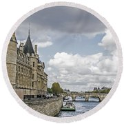 Island In The Seine Round Beach Towel