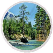 Island In The Stream Round Beach Towel