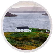 Isle Of Skye Cottage Round Beach Towel
