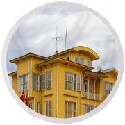 Istanbul Wooden Houses 04 Round Beach Towel