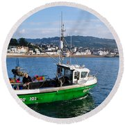 J B P Leaving The Harbour Round Beach Towel