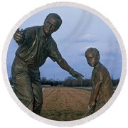 36u-245 Jack Nicklaus Sculpture Photo Round Beach Towel