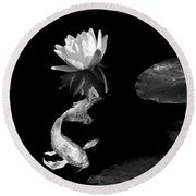 Japanese Koi Fish And Water Lily Flower Black And White Round Beach Towel