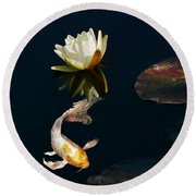 Japanese Koi Fish And Water Lily Flower Round Beach Towel