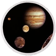 Jupiter And The Moons Round Beach Towel