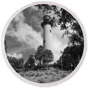Jupiter Inler Lighthouse In Black And White Round Beach Towel