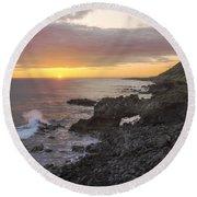 Kaena Point Sea Arch Sunset - Oahu Hawaii Round Beach Towel