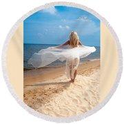 Kaitlin Flying Round Beach Towel