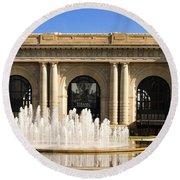 Kansas City Fountain At Union Station Round Beach Towel