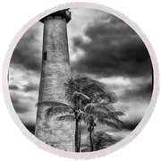 Key Biscayne Fl Lighthouse Black And White Img 7167 Round Beach Towel