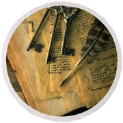 Keys And Quill On Old Papers Round Beach Towel
