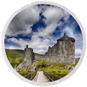 Kilchurn Castle Scotland Round Beach Towel