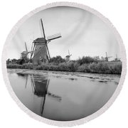 Kinderdijk In Black And White Round Beach Towel