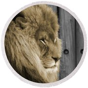 King In Sepia Round Beach Towel