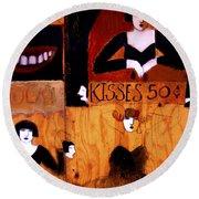 Kisses  - 50 Cents Round Beach Towel
