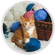 Kitten Playing With Yarn Round Beach Towel