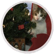 Kitty Says Happy Holidays Round Beach Towel