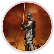 Knight In Shining Armour On A Medieval Battlefield Round Beach Towel